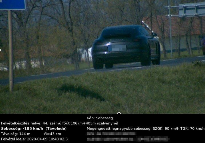 A megengedett sebesség több mint duplájával hajtott Sopronban