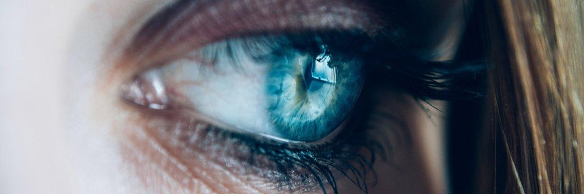 a látás romlik a bal szemben