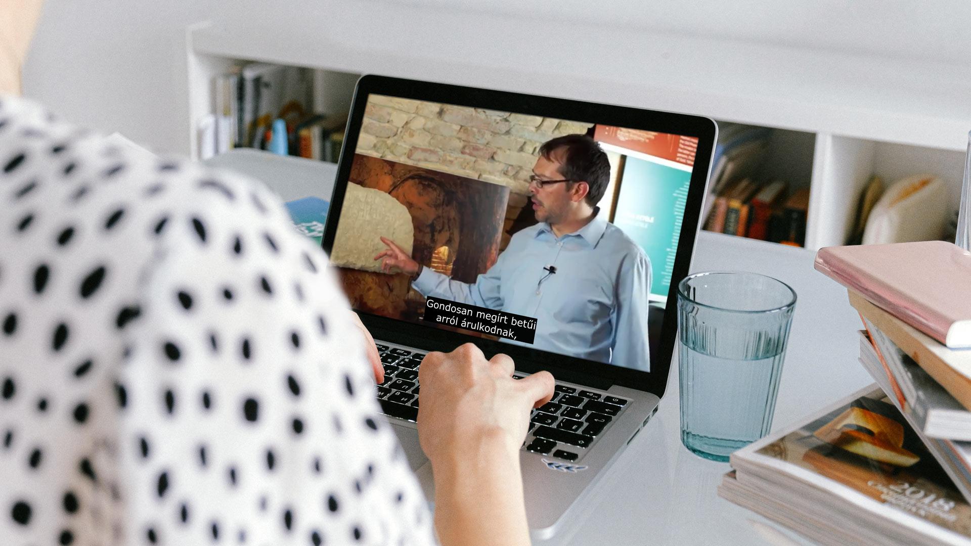Hogyan tartsuk fenn a látást, amikor a számítógépen dolgozik?