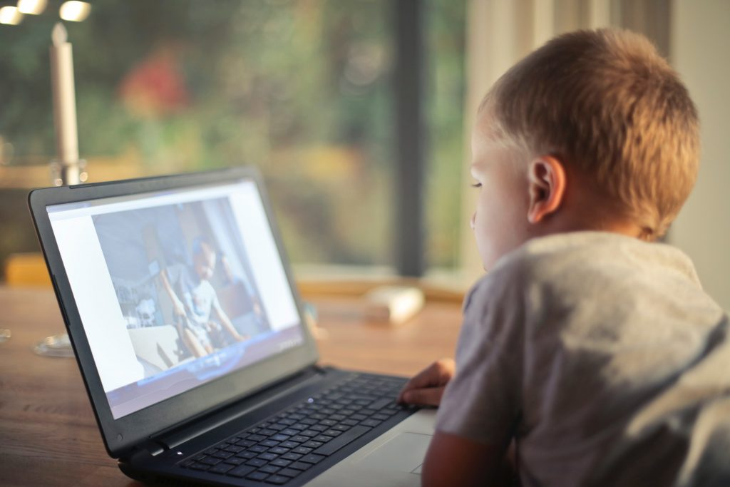 gyermekek számítógép és a látás látás 20 százalékkal