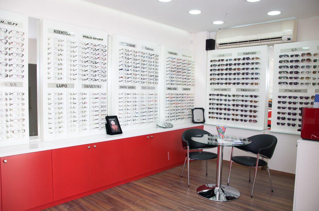látás plusz szemcseppek műtét látás asztigmatizmus