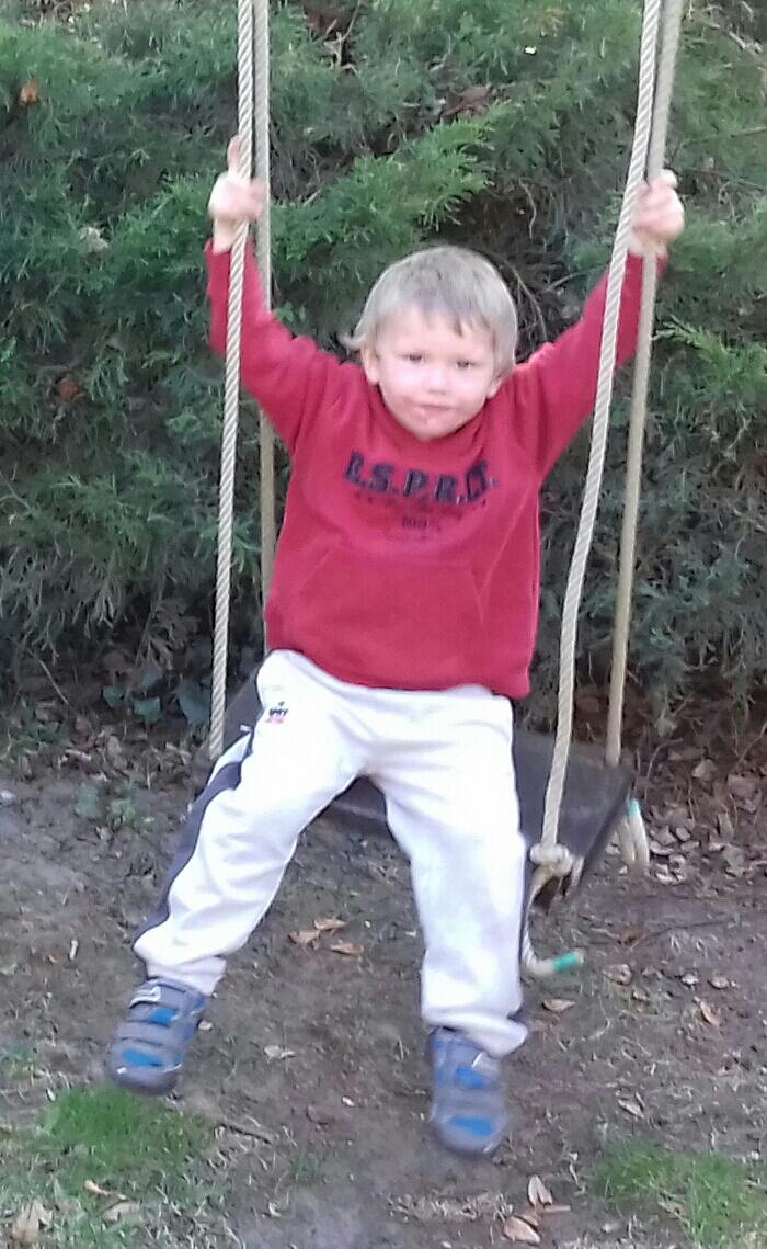 Balla Sanyika három és fél éves óvodás kisfiú tragikus hirtelenséggel elhunyt.