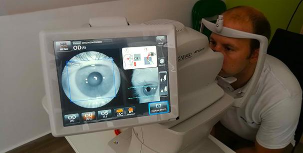 szemész konzultáció elkápráztatja